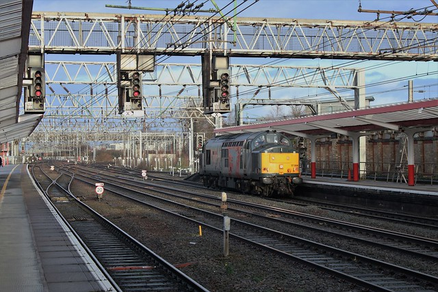 A sunny Christmas Eve at Crewe station