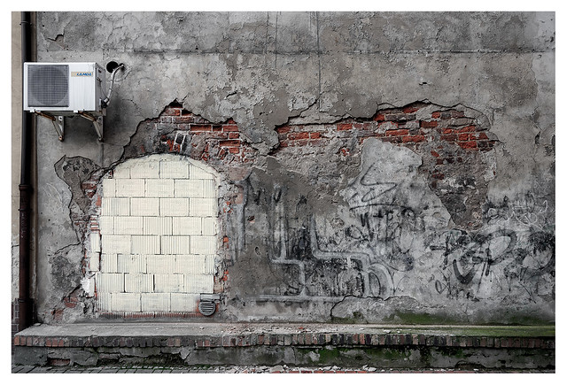 Tortured wall