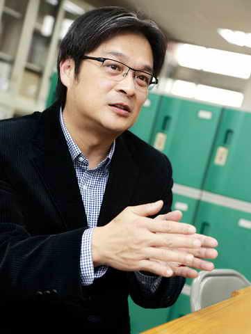 國立臺灣師範大學公民教育與活動領導學系副教授林佳範。圖取自紅樓之聲