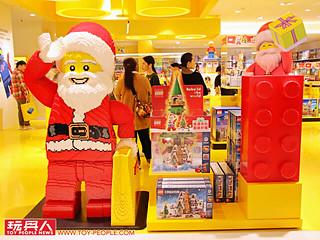 全台首間「樂高授權專賣店 (LEGO Certified Store)」試營運現場報導!天燈馬賽克牆、巨大台北特色地景華麗登場~