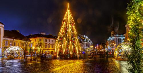 vilnius lietuva lithuania nikond610 hdr hdrpanorama panorama christmas christmastree christmaslights xmas street lights view mood inspiration exploring longexposure 1s