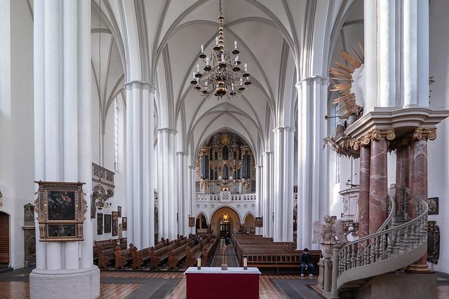 Berlin: Inneres der Marienkirche nach Westen - Interior of St. Mary's Church towards west