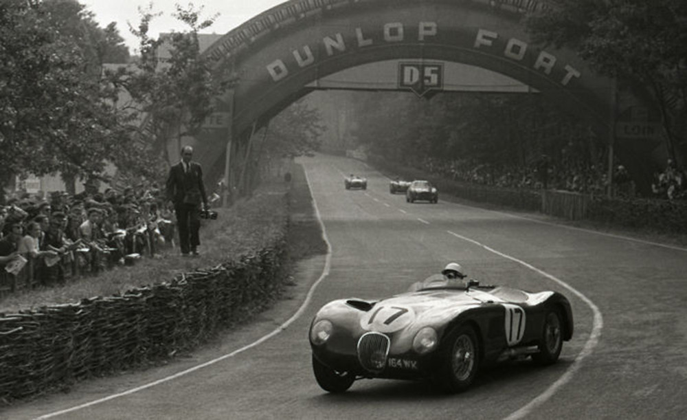13. 1953 Le mans 24 Hour Jaguar C Type Stirling Moss(catawiki.com)