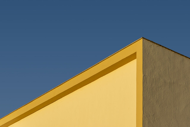 Yellow building with yellow edge