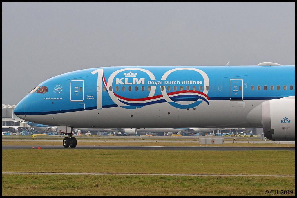 2019-12-21, KLM Royal Dutch Airlines, PH-BKA (Oranje Bloesem - Orange Blossom) - painted in KLM 100 Years special colours, Schiphol, Aalsmeerbaan