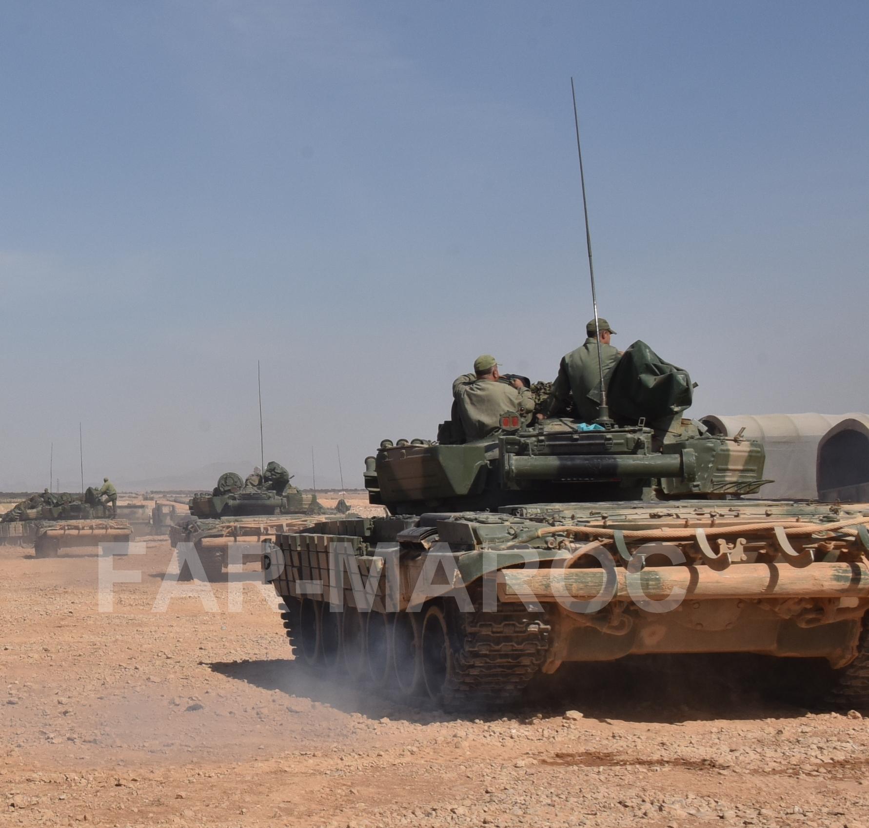 Chars T-72B/BK MArocains // Moroccan Army T-72B/BK Tanks - Page 6 49275813147_5ebdd5dac5_o