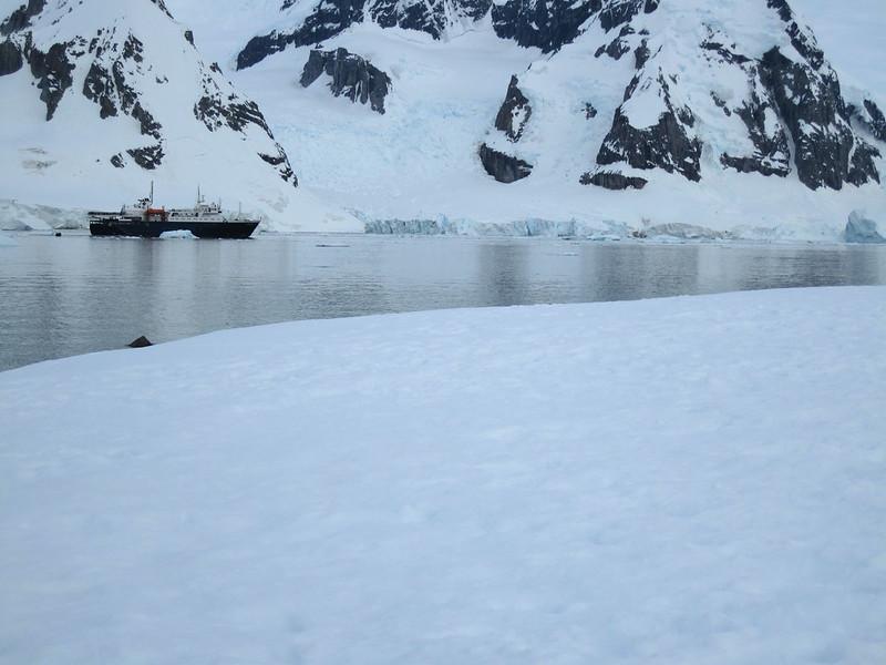 Ortelius steams away, Kerr Point / Ronge Island