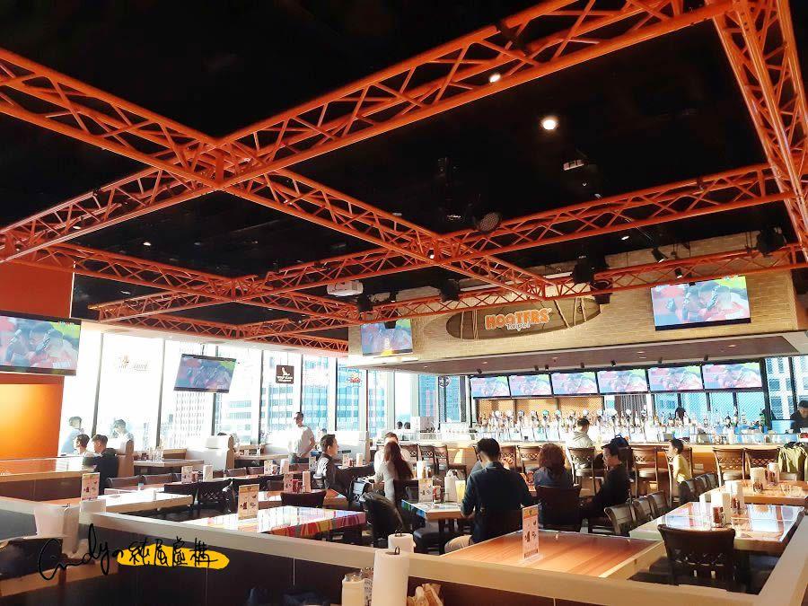 HOOTERS 美式餐廳