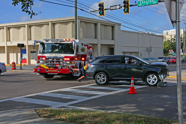 Accident at the Interesction of Chestnut Street & South Myrtle Avenue (2 of 6)