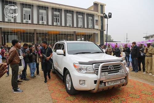 HH Caravan after Namaskar