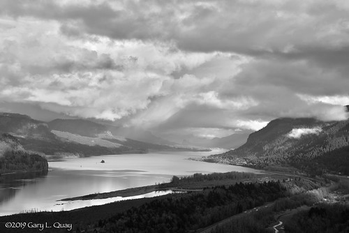 crownpoint columbiagorge oregon washington pacificnorthwest nature landscape columbiariver winter clouds cloudporn light storm sunset nikon garyquay bw
