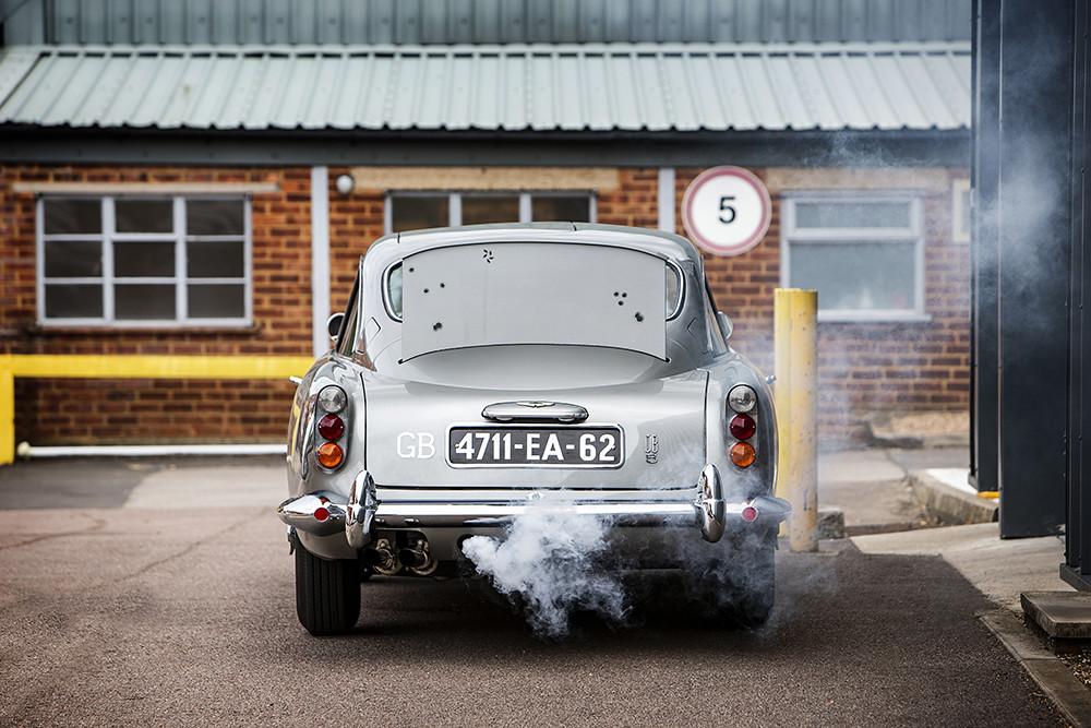 1965-Aston-Martin-DB5--Bond-Car--_9