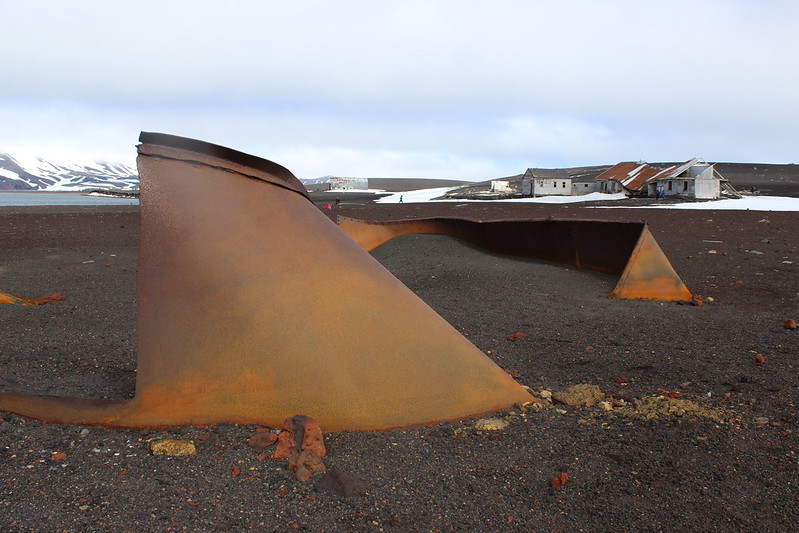 Contour not by Richard Serra - Deception Island - Whalers Bay