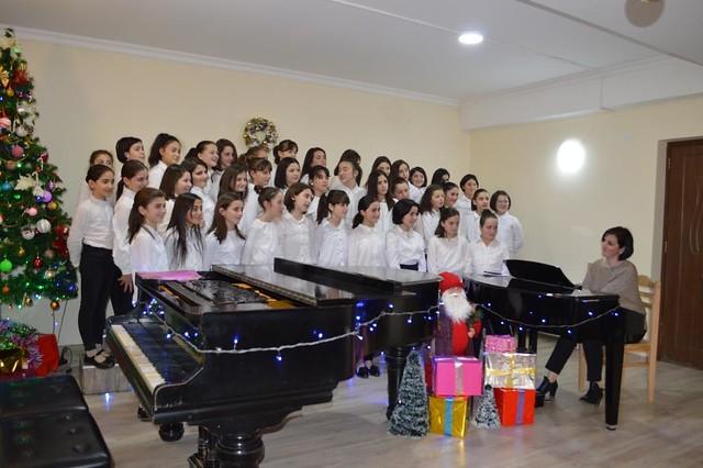 საახალწლო კარნავალი მუსიკალურ სკოლაში
