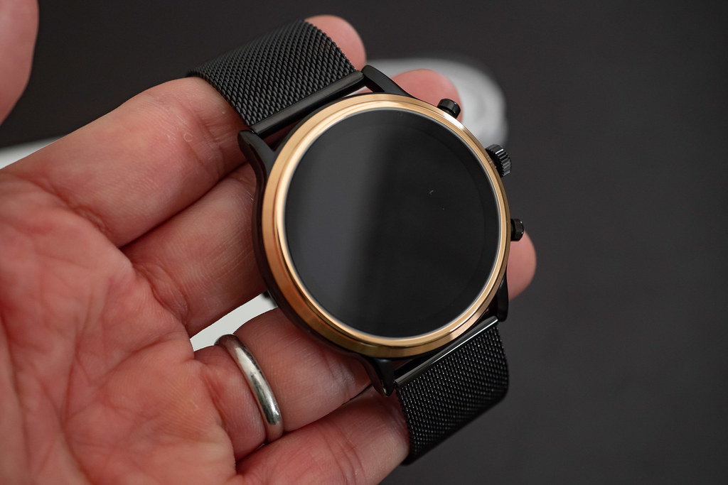 FOSSIL_SMARTWATCH-4