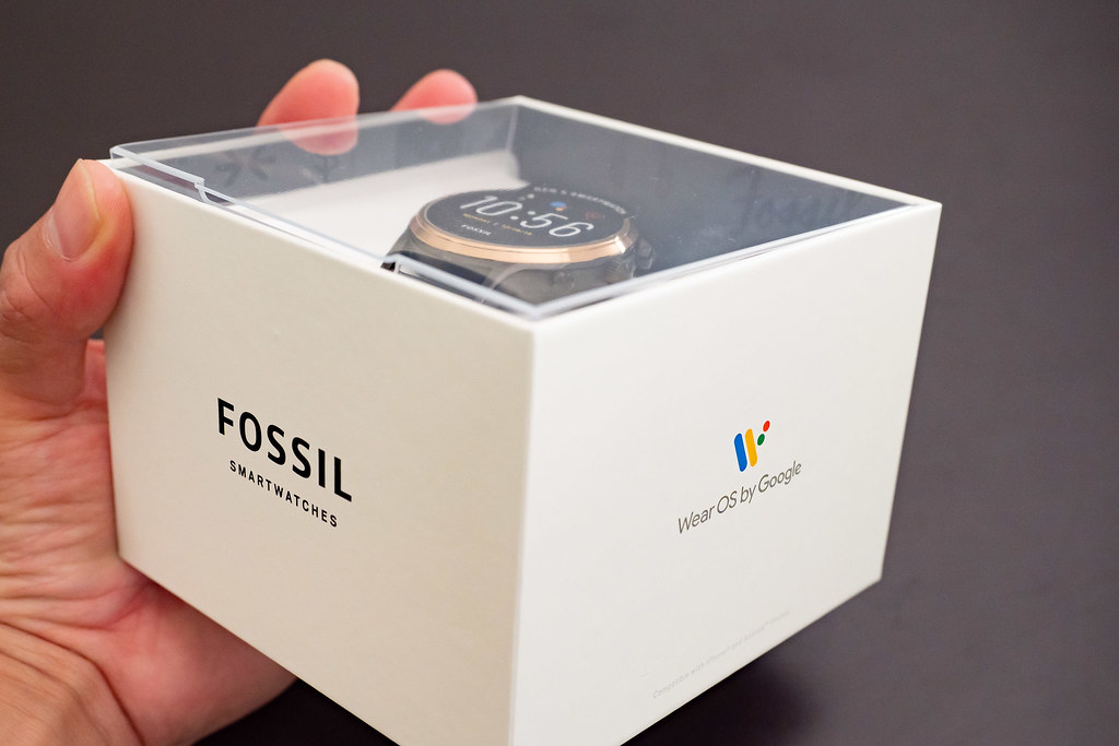 FOSSIL_SMARTWATCH-2