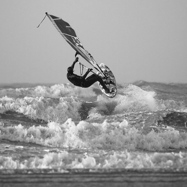 Surfing Twins - 1