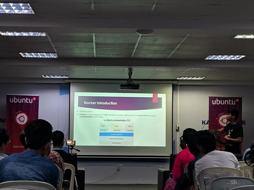 Ubuntu 19.10 at Docker