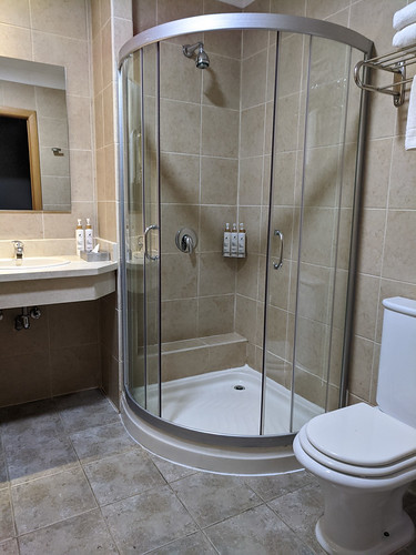 bathroom @ Rio Serrano