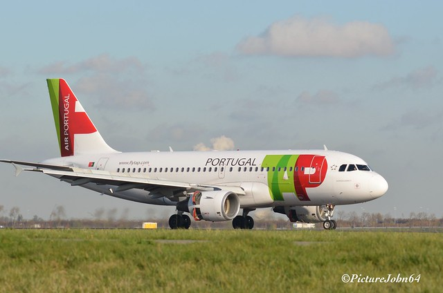 TP678 TAP Portugal Airbus 319 (CS-TTL) from Porto arriving at Schiphol Amsterdam