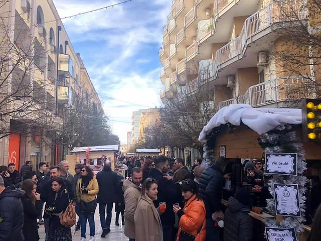 buon natale e drink in via roma
