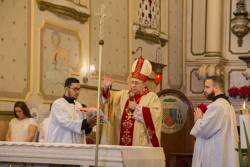 Dom Edmilson celebra Missa de Natal na Catedral