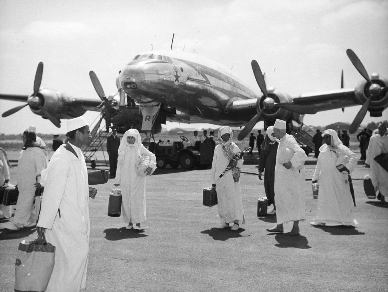 Anciens avions de la RAM - Page 4 49279479438_9c28a3b471_o_d