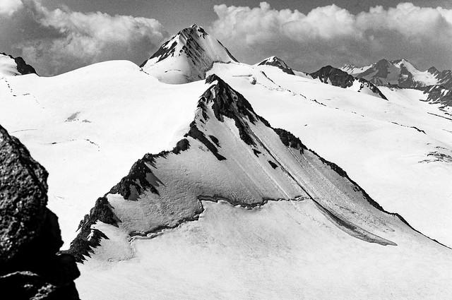 Ötztaler Alpen - the Fineilspitz (3514m) from the Saykogel (3360m)