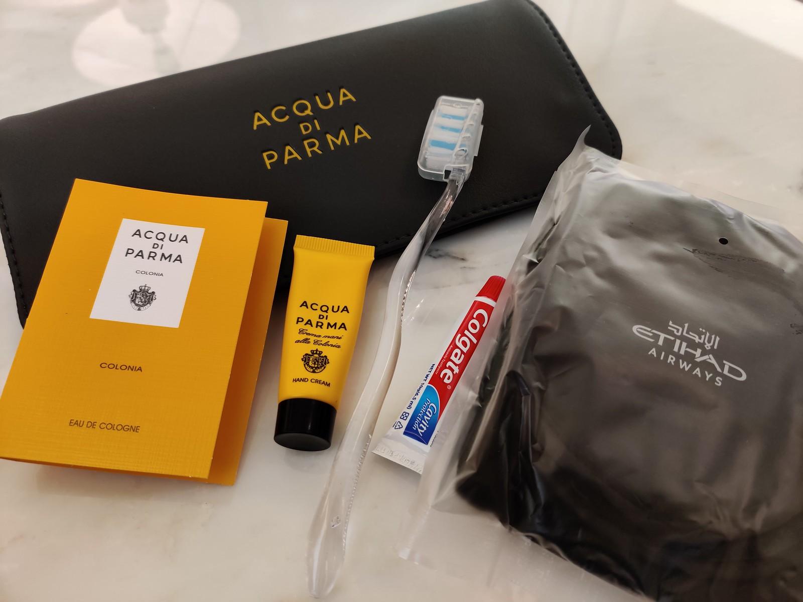 Acqua di Parma amenity kit contents