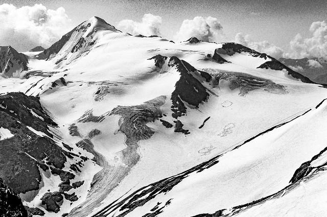 Ötztaler Alpen - the Similaun (3606m) from the Saykogel (3360m)
