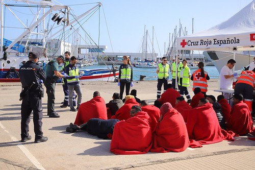Patera con 22 inmigrantes al norte de Lanzarote,