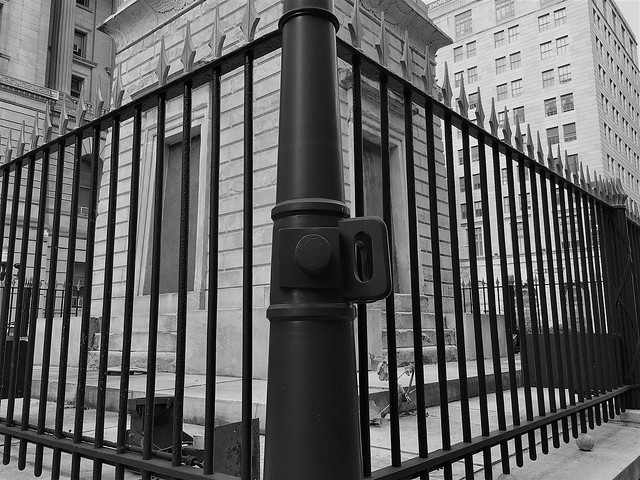 Baltimore MD ~ Battle Monument fencing