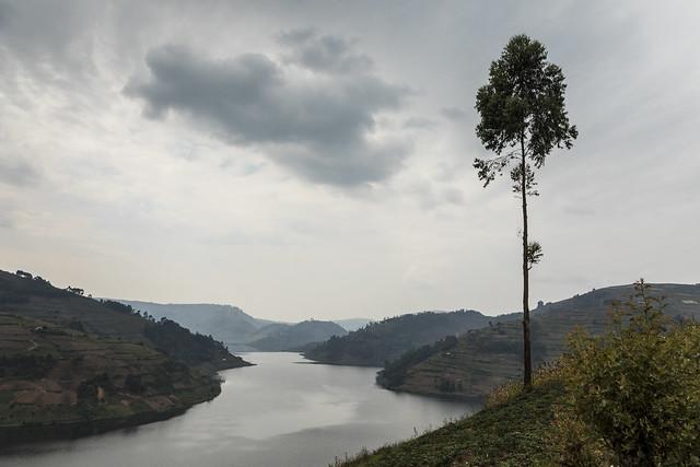 Extremo sur del lago Bunyonyi