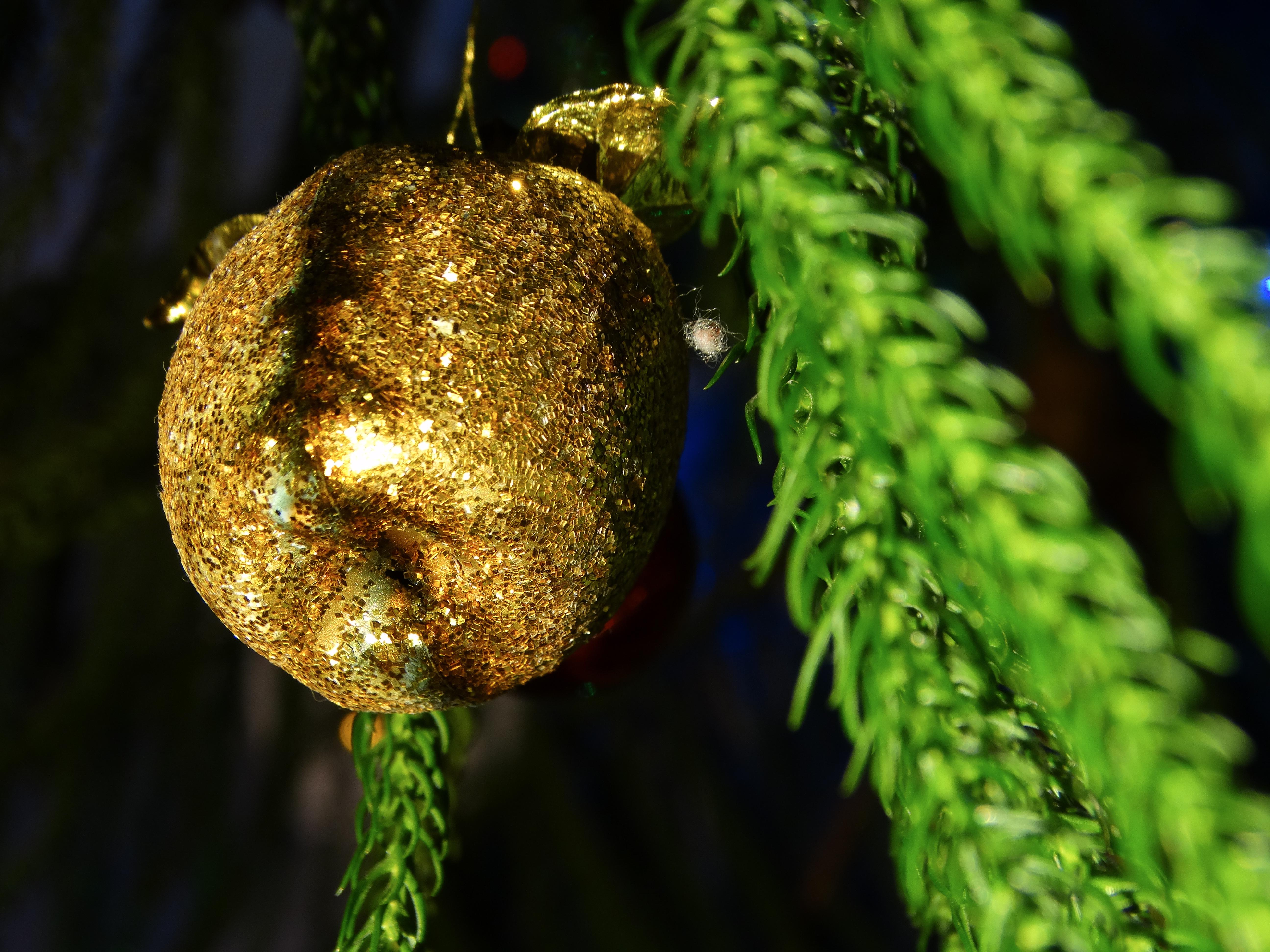 Alma alakú karácsonyfadísz 4.