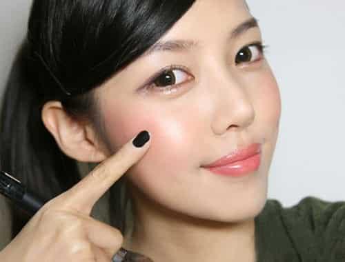 Tẩy trang - Ảnh: QuangTruong / Bài viết: Vaseline mua ở hiệu thuốc