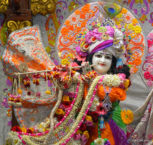 ISKCON Juhu Sringar Deity Darshan on 26th Dec 2019