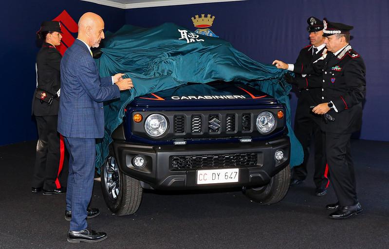 suzuki-jimny-carabinieri-italy-police-car-3