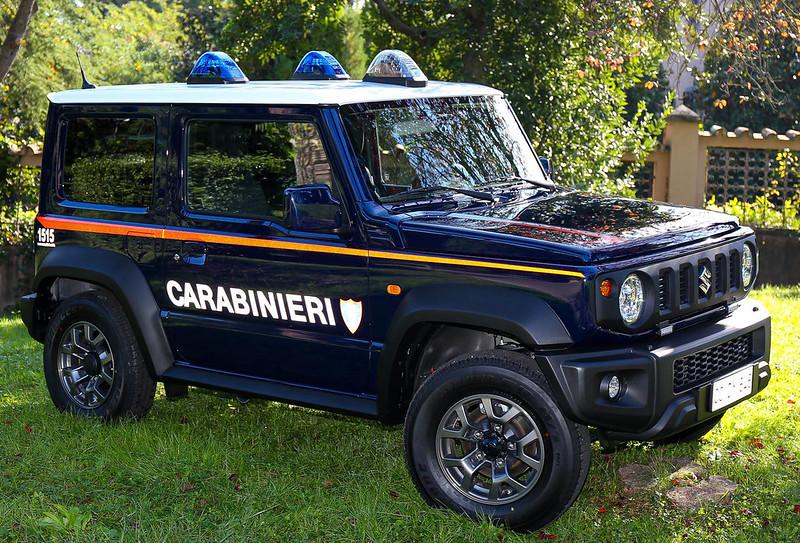 suzuki-jimny-carabinieri-italy-police-car-1