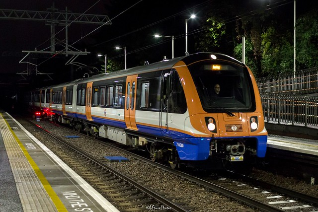 Class 710 London Overground, Upper Holloway Station