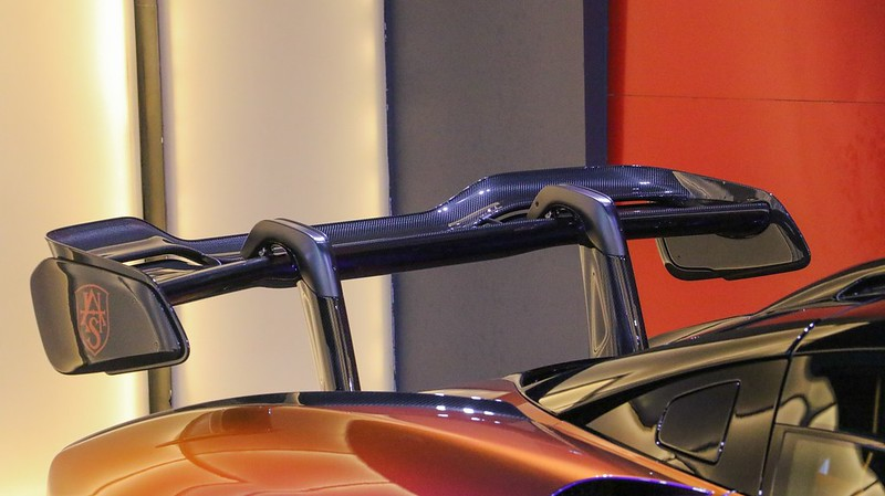 McLaren-Senna-15