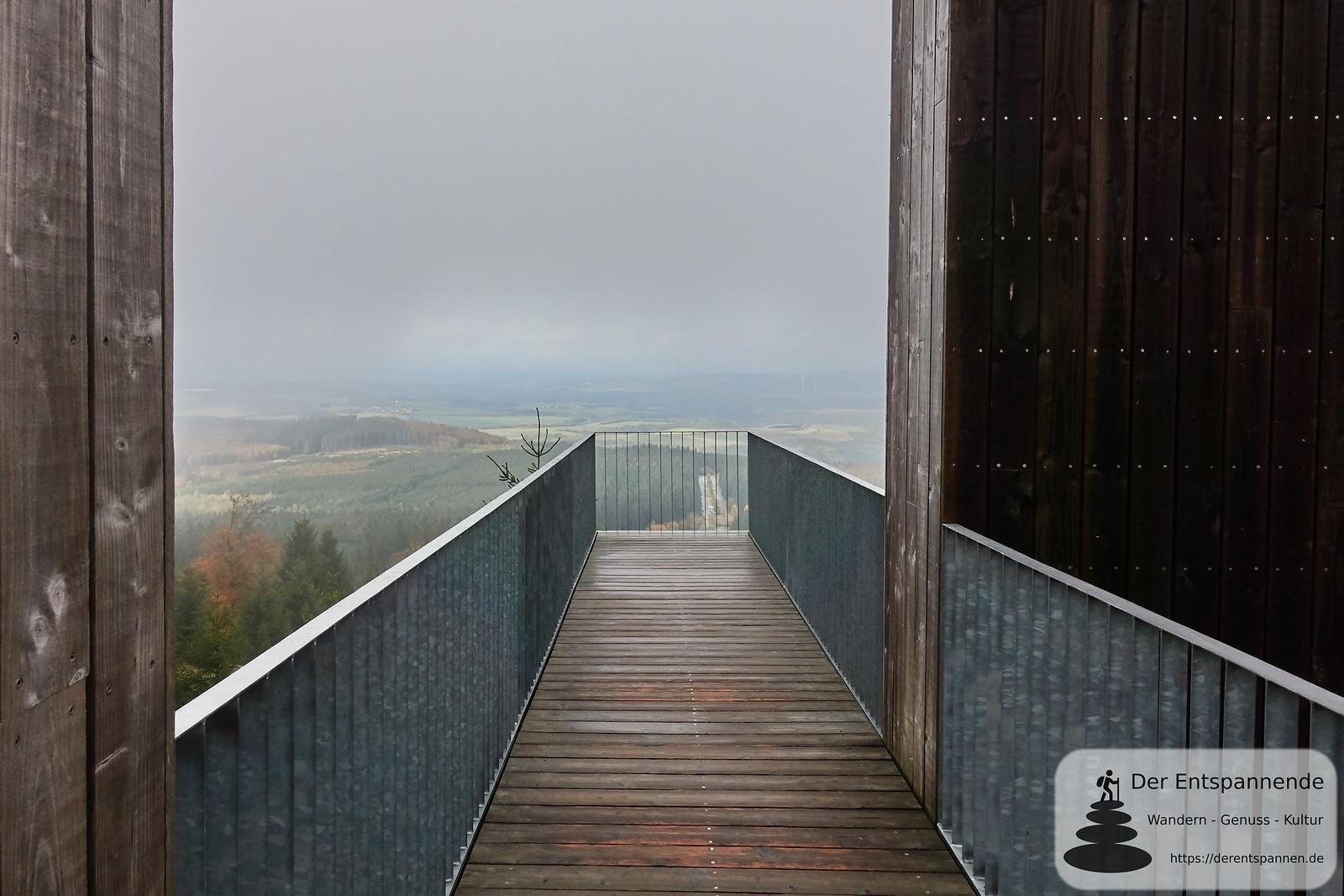 """Durchschreitbare Gipfelskulptur """"Windklang 816 M"""" auf dem Erbeskopf des Künstlers Christoph Mancke"""