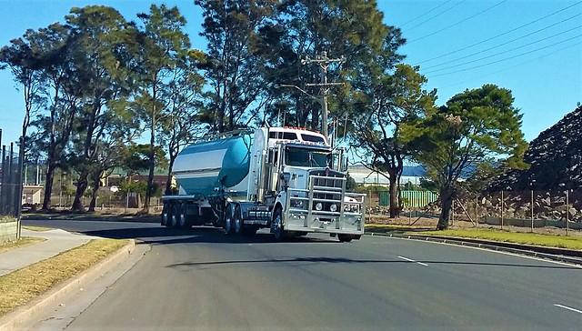 Big 908 hookin in using the racing line at Port Kembla harbour