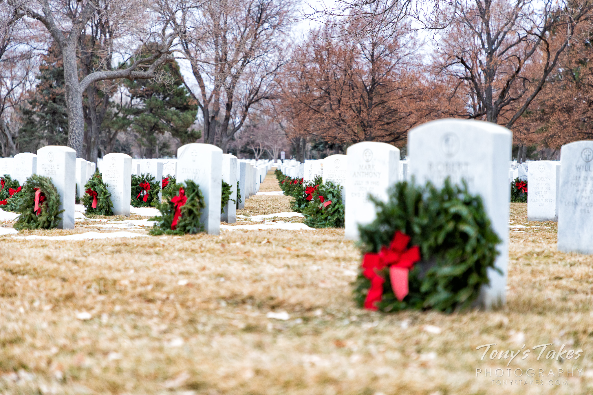 Christmas Eve at Fort Logan National Cemetery. (© Tony's Takes)