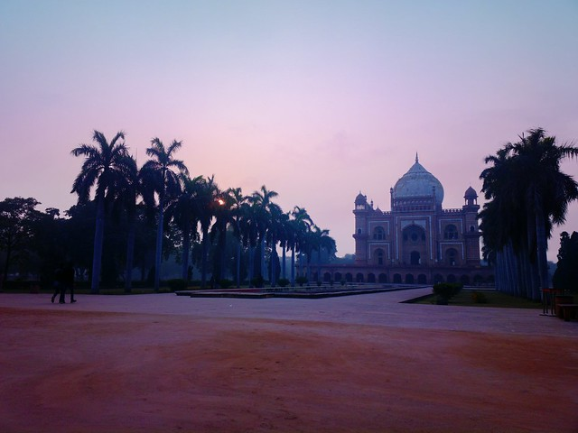 Safdarjung tomb #nokia #nokia808pureview #nature # photography #photographer #weekend #indiamonumemts #delhi #lumia1020 #pureviewphotograpger