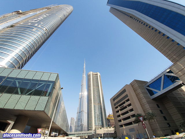 burj khalifa wide shot