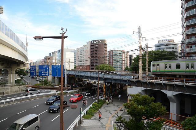 JR Yokohama Line E233 Series Train on Bridge over Route 1: 9