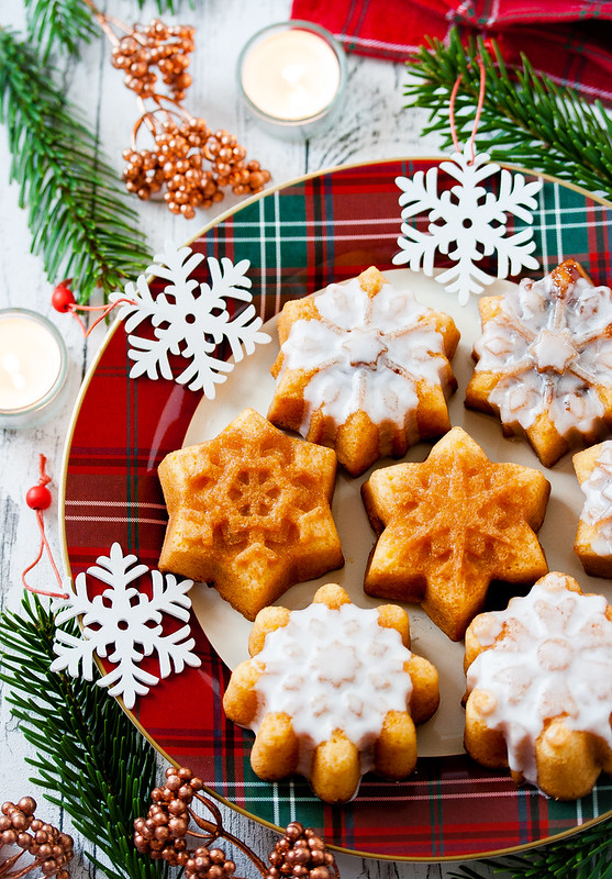 Mincemeat and Custard Snowflake Cakes