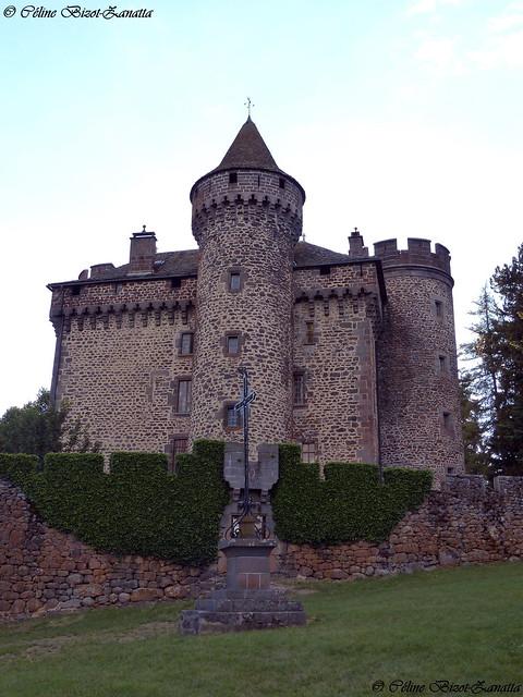 Magnifique château des Ternes - Cantal - Auvergne - France - Europe