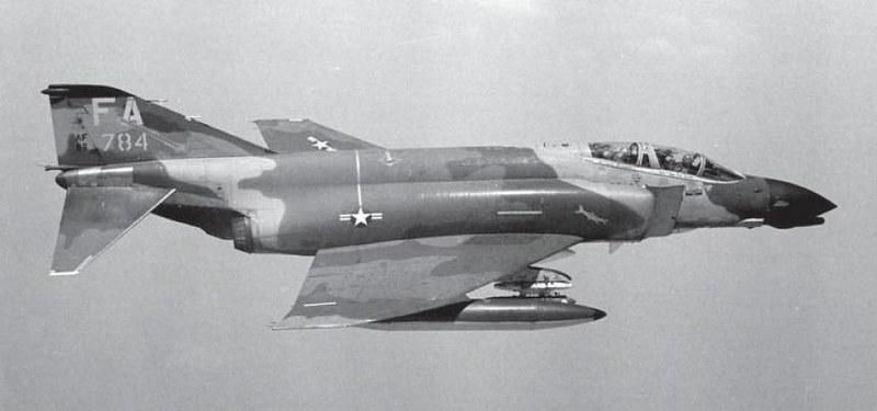 retrowar: F-4D