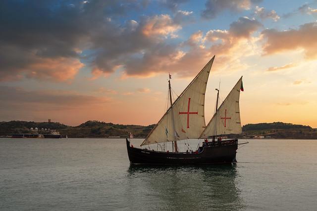 Historisches Segelboot auf dem Tejo